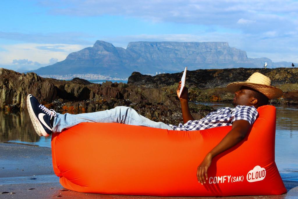 Comfysak-CLOUD-Inflatable-Air-Lounger-Orange003